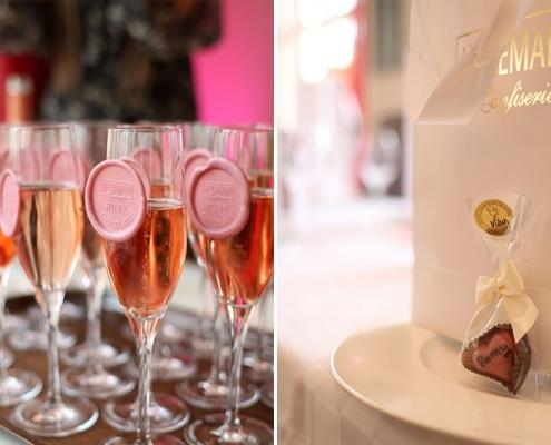 Sekt mit Ruby Chocolate und individuelle Ruby Praline als Tischkärtchen