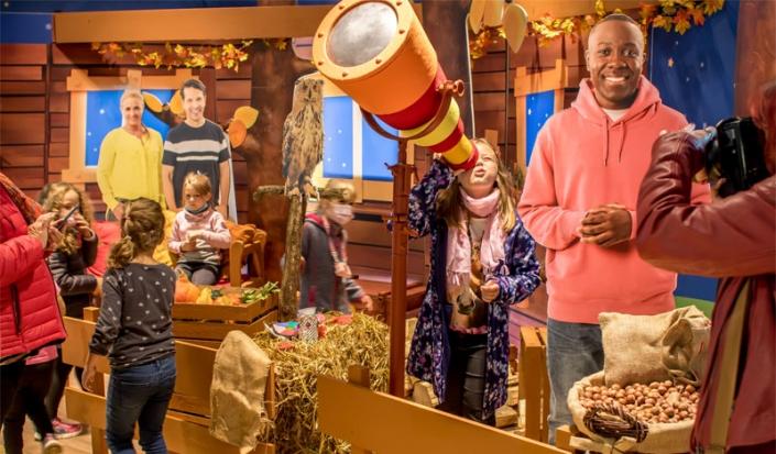 Kinder im KiKA-Baumhaus am Eröffnungstag